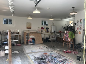 Creative Art Space makes me feel imaginative and want to paint :)